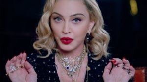 Madonna reveals that three friends died in a mysterious quarantine video from coronavirus.