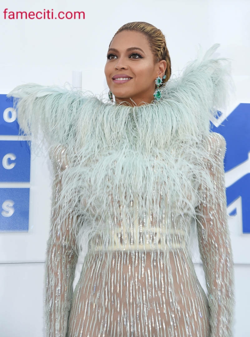 Beyonce Advice Protesters To Remain Aligned And Focused